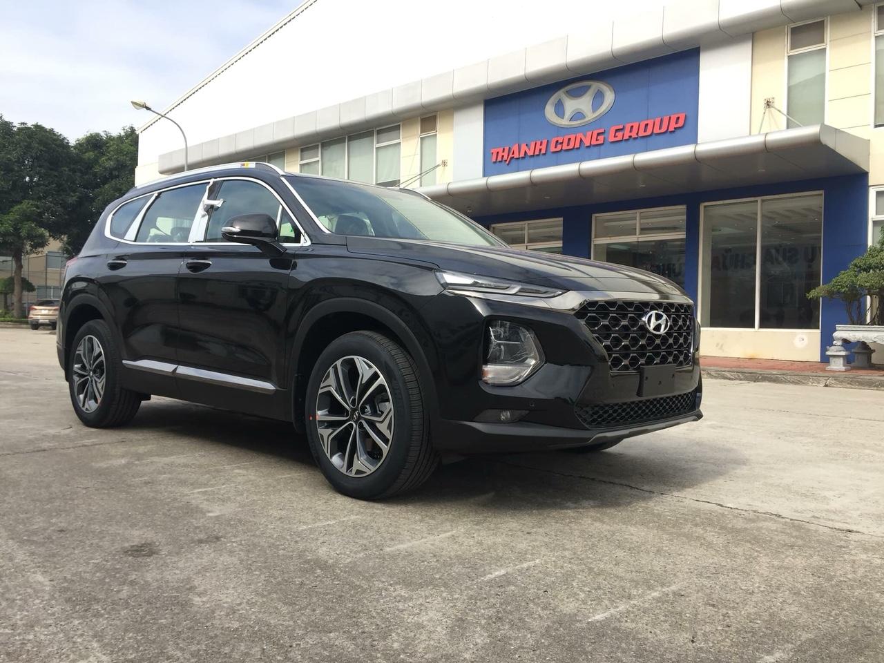Santafe dầu đặc biệt 2019 màu đen - Hyundai Việt Trì