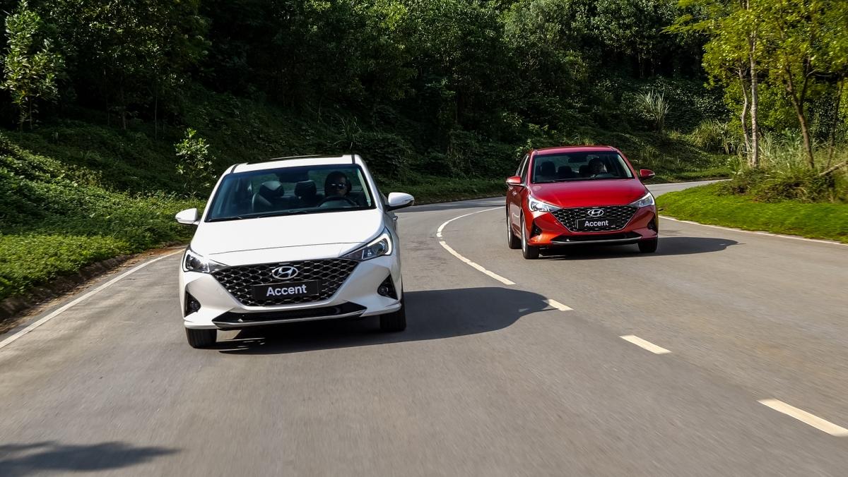 Vừa qua, TC MOTOR đã chính thức giới thiệu đến thị trường Việt Nam mẫu xe sedan Hyundai Accent phiên bản nâng cấp 2021 với nhiều thay đổi đáng chú y cùng giá bán lẻ khuyến nghị từ 426,1 triệu đồng (đã bao gồm thuế VAT), giữ nguyên giá so với phiên bản hiện tại.